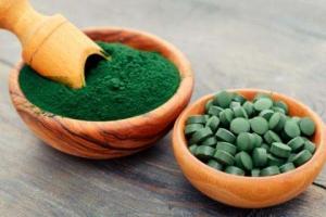 Wunderalge Spirulina: Welche Auswirkungen hat das Superfood auf Immunsystem und unsere Gesundheit?